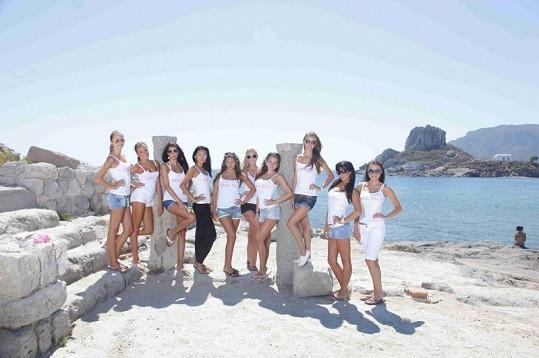 Finalistky iMiss trénují na soustředění v Řecku.