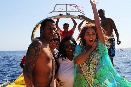 Beyoncé na dovolené s přáteli.