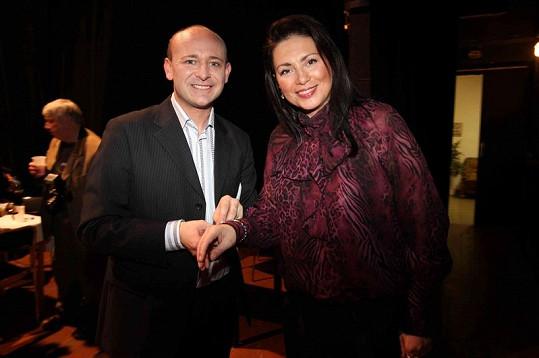 Pořadatel Muže roku David Novotný s Janou Bobošíkovou.