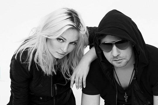 Markéta působí po boku Petera Fidlera v hudebním projektu Verona.