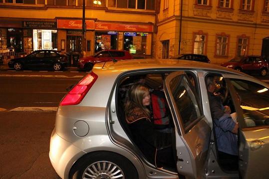 Po koncertě nasedli Štaidl s Arturem do přistaveného vozu a odjeli domů.