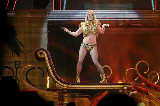 Spears v Moskvě při turné Femme Fatale.