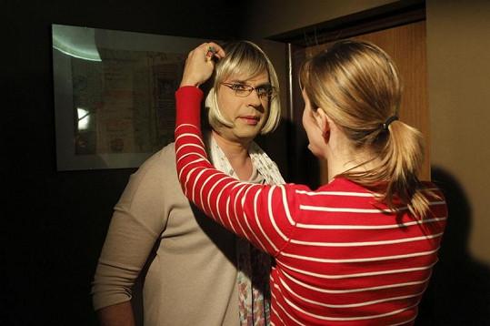 Petr Rychlý převlečený za ženu.