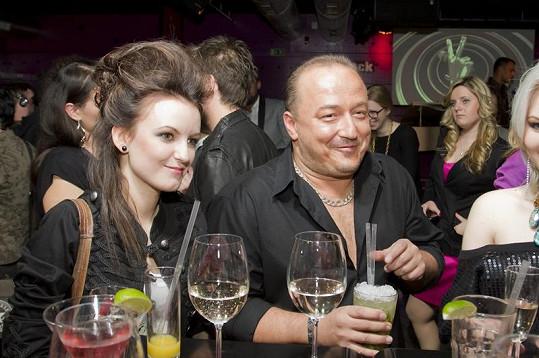 Brunno Oravec miluje večírky.