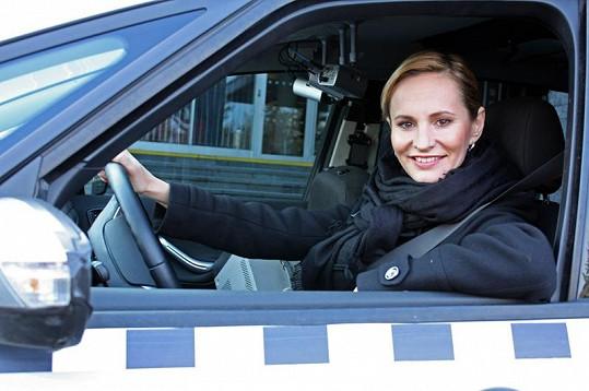 Monika Absolonová přijde o slušný měsíční výdělek.