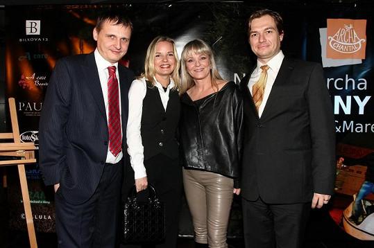 Poslanci Bárta a Babák přispěli na Chantalinu nadaci částkou přes dva miliony korun.