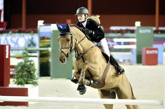 Ekaterina studuje na Harvardu a bravurně jezdí na koni.