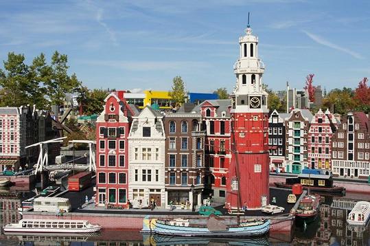 Legoland je plný krásných staveb ze slavných kostiček.