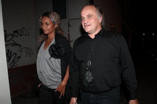 Ještě těhotná Lejla Abbasová s partnerem Michaelem Kocábem.