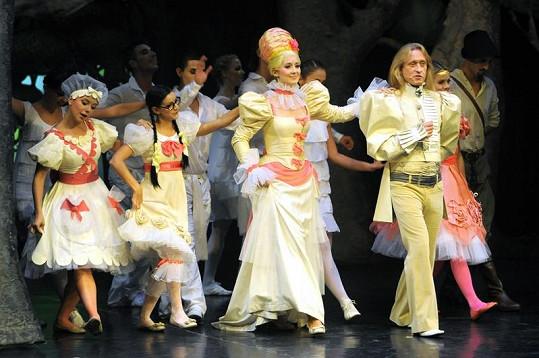 Kamil Střihavka jako král Jiřík byl potěchou pro oko zejména dámské části publika.