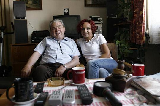 Zpěvačka Petra Janů před pár lety vystoupila se svým tatínkem Václavem v pořadu 13. komnata.
