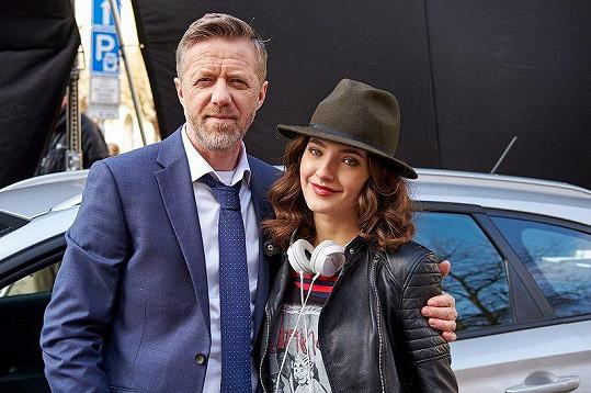 Jiří Langmajer se svou filmovou dcerou Sarou Sandevou