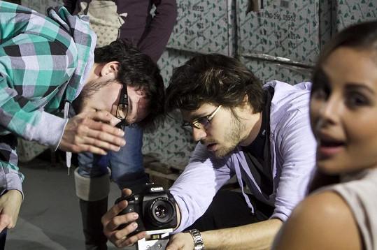 Na natáčení nepřímo vypomohl i Ben Cristovao, který Monice domluvil spolupráci se svým dvorním režisérem Tomášem Kasalem.