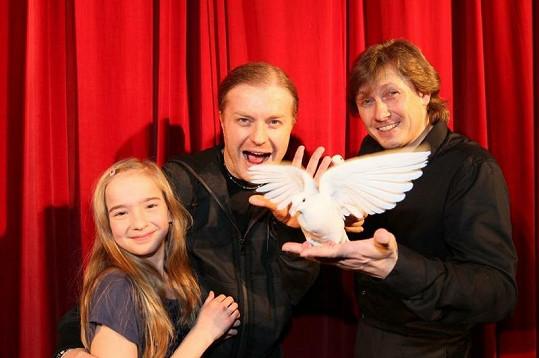 Pavel Šporcl si vyzkoušel čarování s dcerou Nelinkou.