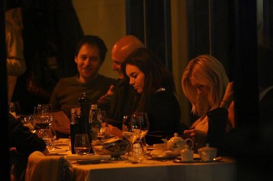 U stolu panovala pohodová atmosféra.