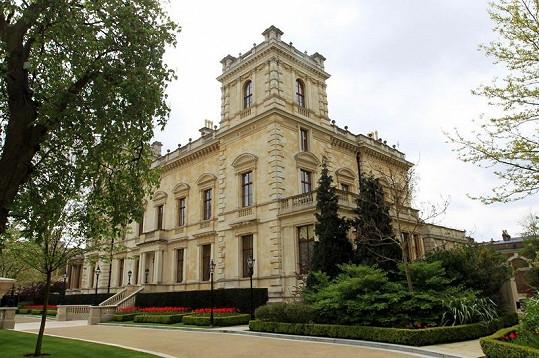 Toto sídlo poblíž Kensingtonského paláce je nejdražším na světě, vlastní jej Lakšmí Mittal.