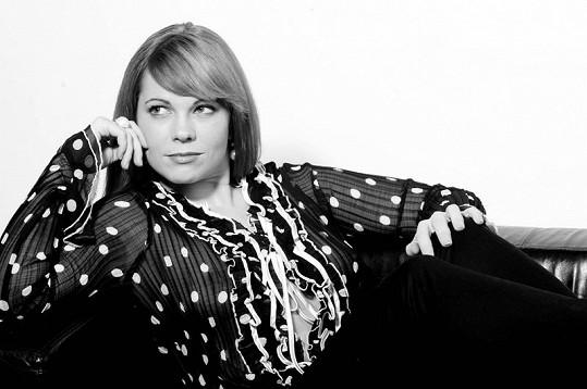 Michaela Nosková pózovala v průsvitné halence.