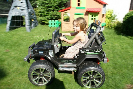 A na svůj věk je i výbornou řidičkou.