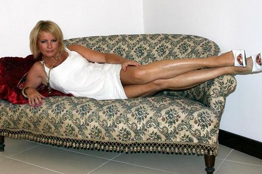 Ivetiny nohy patří k nejhezčím v českém shobyznysu.