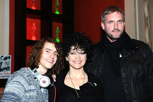 Lucie Bílá s přítelem Petrem a synem Filipem na křtu nového CD.