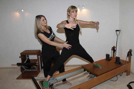 Herčíková si také oblíbila cvičení pilates na speciálních lavicích.