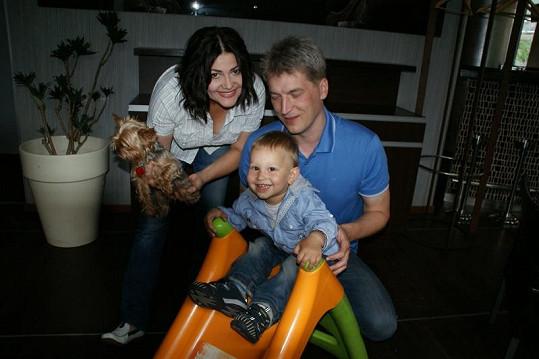 Šťastná rodinka pohromadě. Ilona, Radek a Daniel.