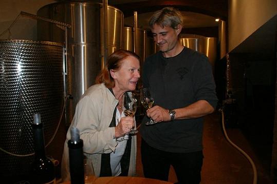 V sobotu ochutnala Iva vína v Pavlově, kde bydlela. Do tajů místních vychytávek ji zasvětil Ctibor Čech.