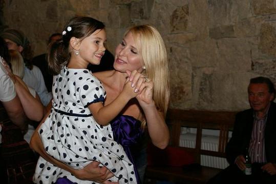 Ivana Gottová s malou Charlottkou.