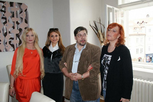 Ivana Regina, Yvetta Blanarovičová, Jan Saavedra a Marcela Holanová