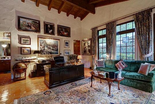 Dům je velmi stylově zařízen.