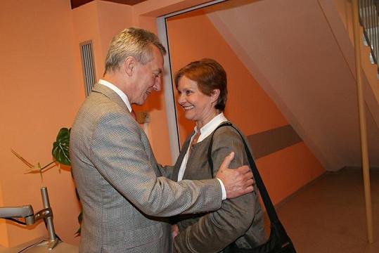 Marta Vančurová s lékařem Václavem Pechou, v jehož péči byla.