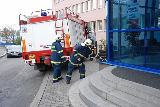 Zasahovali i hasiči.