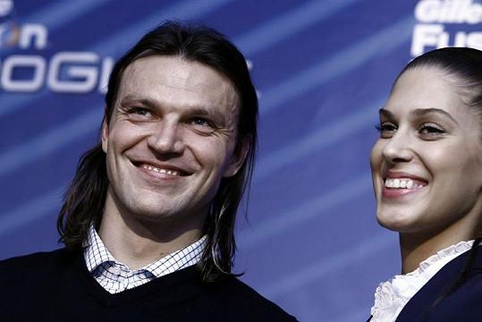 Tomáš a Aneta vedle sebe zářili štěstím.