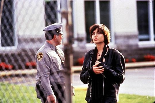 Angelina ve filmu Foxfire z roku 1996.