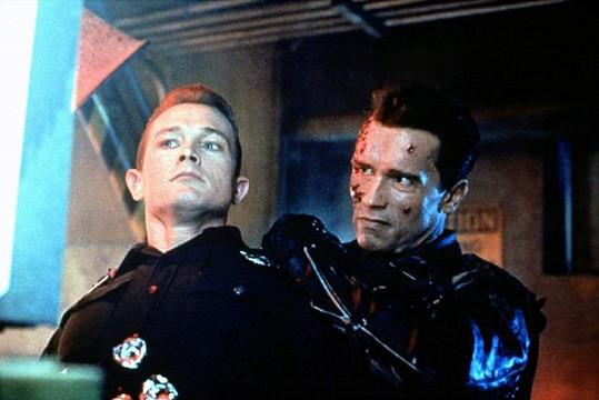 Robert Patrick a Arnold Schwarzenegger v Terminátorovi 2: Dnu zúčtování.