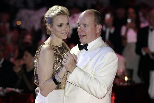 Princezna Charlene při tanci s manželem.