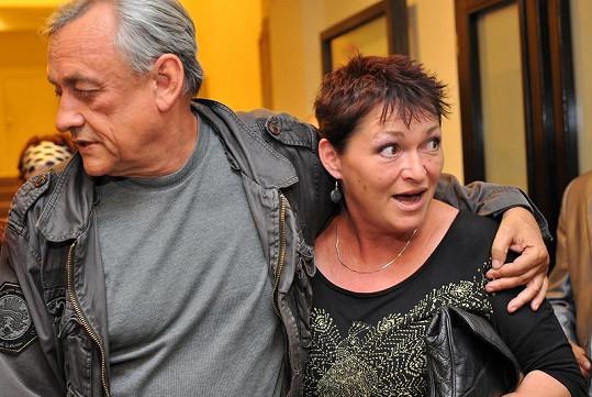 Valérie Zawadská se od Richarda Tesaříka neodtrhla.