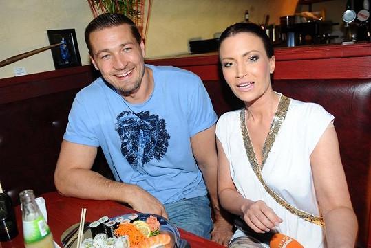 Gabriela Partyšová a Petr Jákl na párty časopisu Playboy.