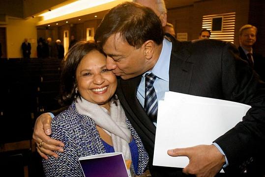 Mittal s manželkou.