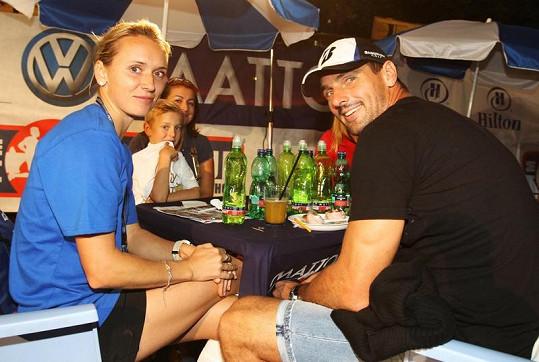 Roman Šebrle přišel podpořit svou manželku Evu, která se zúčastnila pětikilometrového závodu určeného pouze ženám.