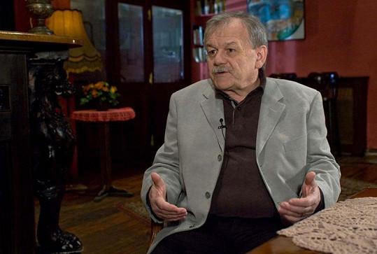 Dnes patří Karel Šíp k oblíbeným moderátorům.