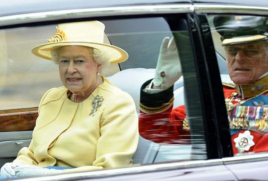 Královna Alžběta II. s vévodou z Edinburghu.