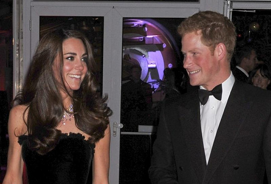 Kate Middleton a princ Harry.