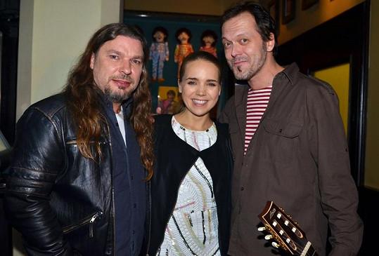 Petr Kolář a Lucie Vondráčková nazpívali duet Vánoce bílý, který pro ně složil Viktor Dyk.