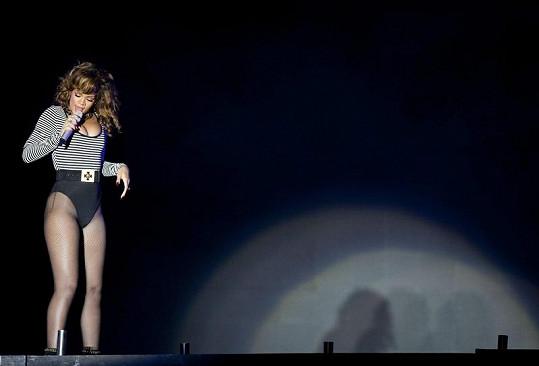 Barbadoská kráska zazpívala poprvé v životě v Brazílii.