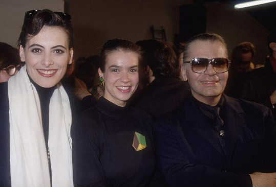 Modelka Ines de la Fressange, Katarina Witt a Karl Lagerfeld.