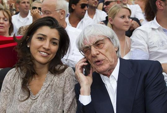 Bernie Ecclestone se svou nastávající Fabianou Flosi.