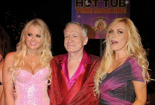Hugh Hefner a vnadné krásky.