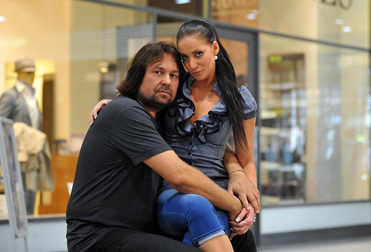 Jiří Pomeje s novou přítelkyní Andreou Šťastnou.