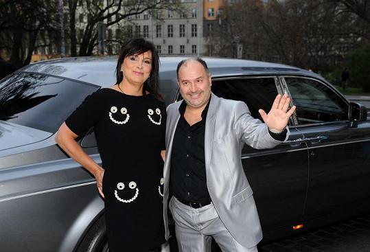 Michal David s manželkou Marcelou. Michal se stal opět Zpěvákem roku.